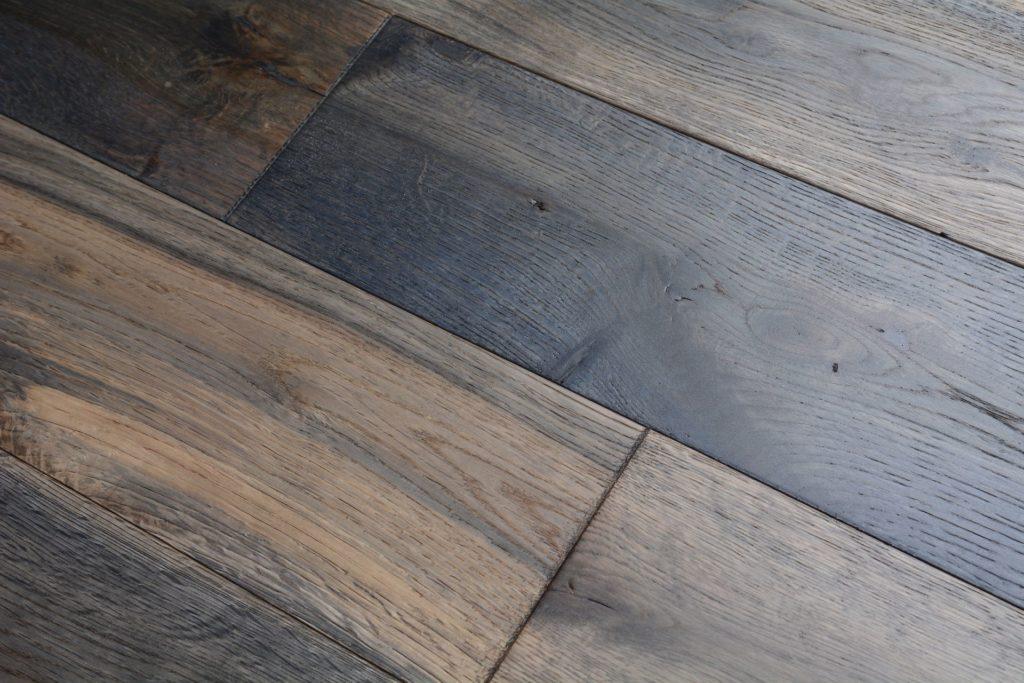 Elegant home solid handscraped 5 inch heathered oak bog for Direct hardwood flooring