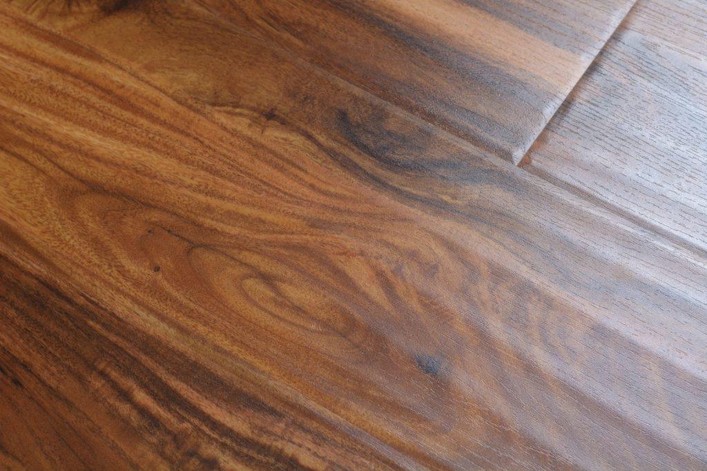 Featherstep laminate 12 3 mm st simons acacia bog 5485 for Direct hardwood flooring